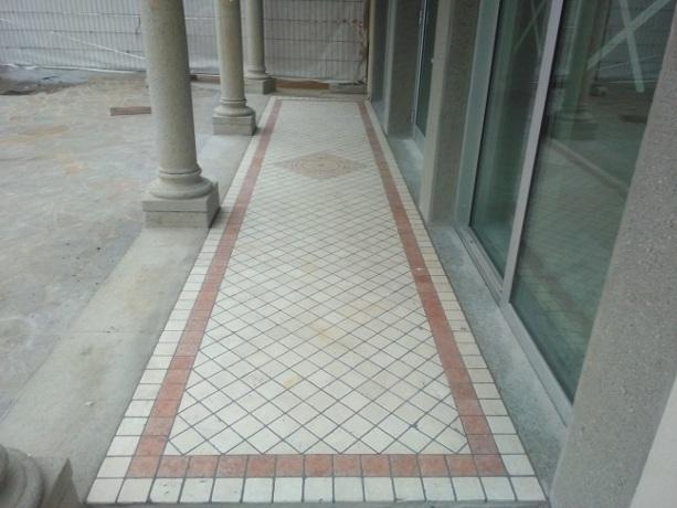 pavimento ingresso